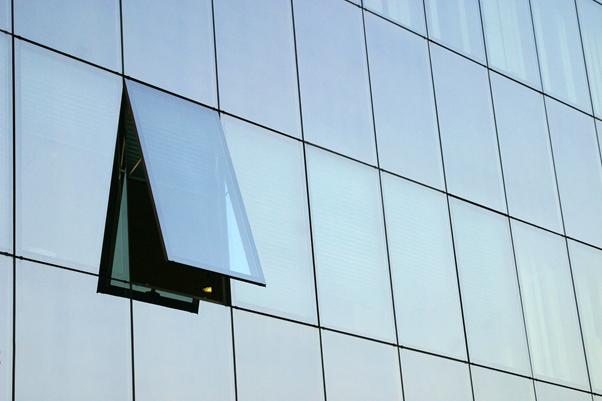 frameless façade